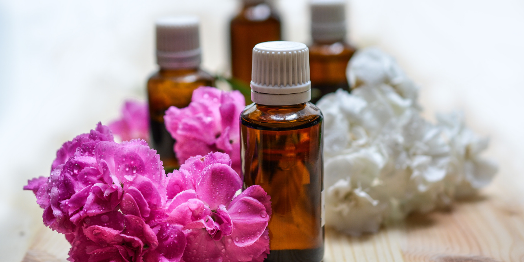6 Essential Oils to Ease Anxiety